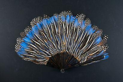Flammes bleues, vers 1900 Rare éventail en...