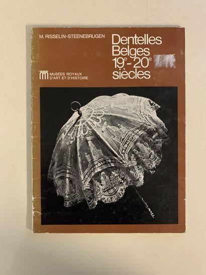 Neuf ouvrages en français sur la dentelle....
