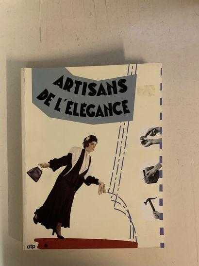 Treize ouvrages en français sur la mode....