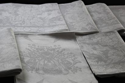 Suite de six grandes serviettes de chasse,...
