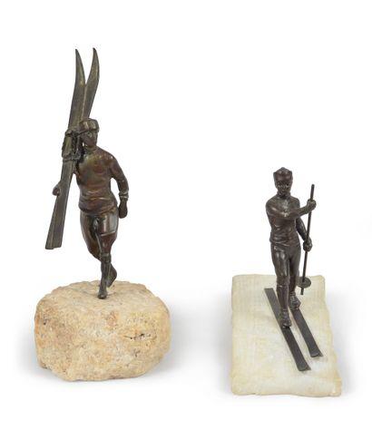 Ensemble de deux sculptures pour Trophées...