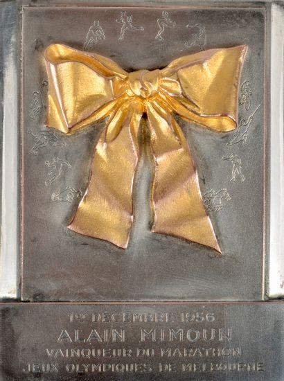 Alain Mimoun. Rare médaille commémorative...