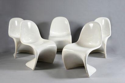 Verner PANTON (1926 -1998). D'après Suite 5 chaises Panton Chair, modèle créé en...