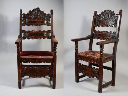 Italie, XVIIe siècle Paire de fauteuils...