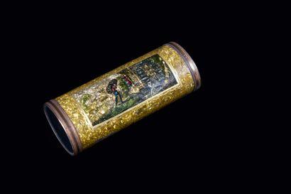 Boîte de beauté, de forme cylindrique, sur...