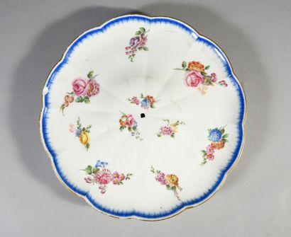 Plateau d'étagère à coquilles en porcelaine de Vincennes du XVIIIe siècle, à monture...