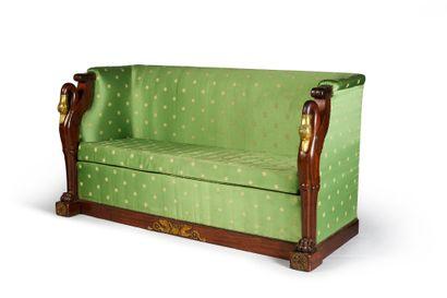 Canapé en acajou et placage d'acajou, à montant...