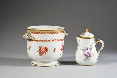 Rafraichissoir à verre en porcelaine de Vienne du XVIIIe siècle Marque en bleu à...