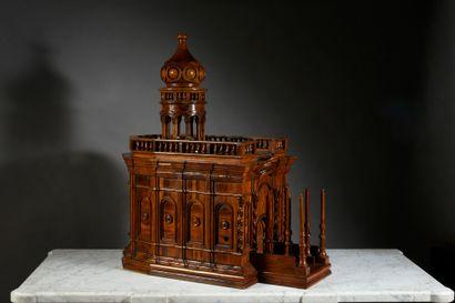 Le Saint Sépulcre. Maquette en bois d'olivier...
