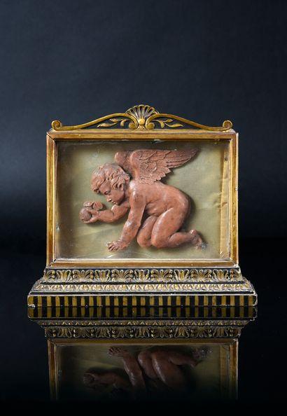 Précieux bas-relief en cire rose figurant...