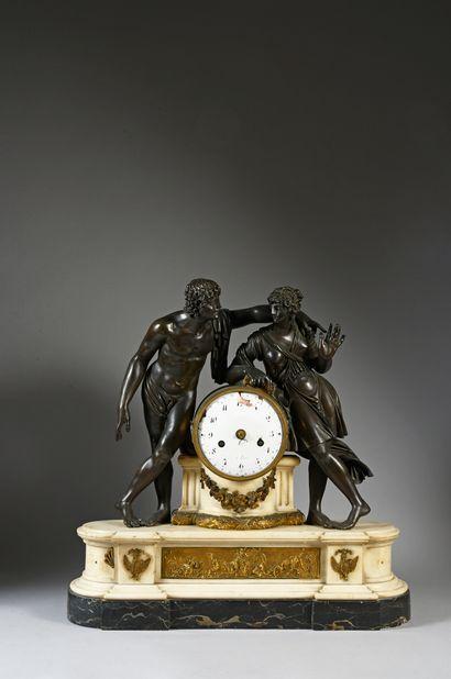 Importante pendule en marbre blanc , le mouvement...