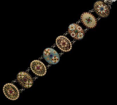Un bracelet en argent, orné d'émaux Bressans,...