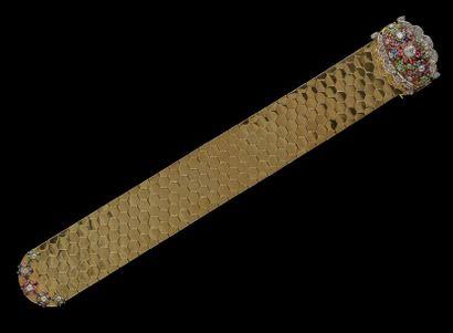 Un important bracelet ruban à motifs nid...