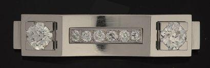 Broche en platine et or gris, de forme rectangulaire,...