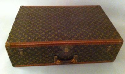 Malle Vuitton 47x21x70 Malle Cabine plate...