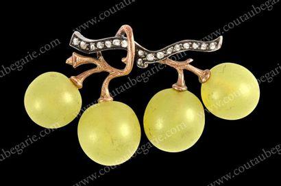 FONSEQUE ET OLIVE (attribué à) Rare broche en or et argent représentant des grains...