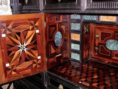 Mobilier de salon composé de quatre fauteuils...