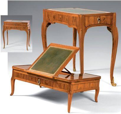 Table d'accouchée en placage de bois de rose...