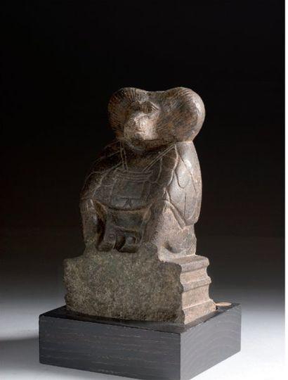 Statuette représentant un Babouin assis sur...