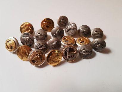 Lot de 21 boutons pour épingles dont rallye...