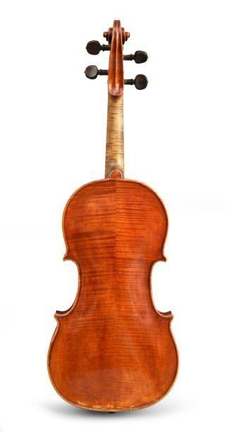 Très beau violon italien de Vincenzo Sannino , fait à Naples en 1913. Etiquette...