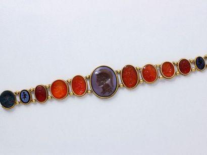 Beau bracelet articulé en or 750 millièmes,...