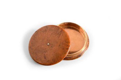 Boîte à pilules en loupe doublée or 18k 750%,...