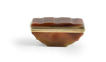 Boîte en vermeil (argent doré 2d titre 800%),...