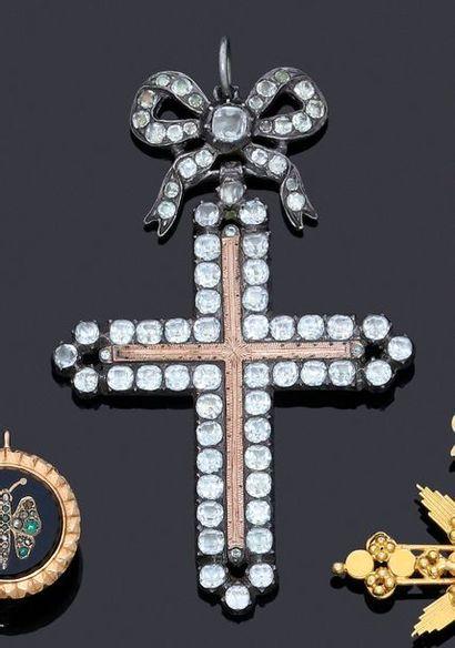Croix d'Yvetot en argent 800 et or 750 millièmes...