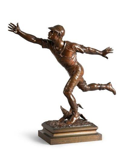 Sculpture en bronze. «Coureur à l'arrivée»....