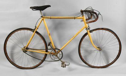 Vélo «L'Auto» utilisé sur le Tour de France entre 1930 et 1936. Marquages l'Auto...