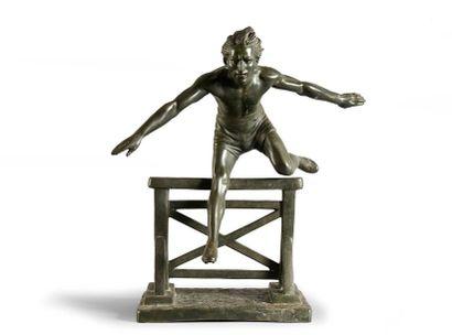 Sculpture en régule. «Le Sauteur de Haie»....