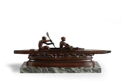 Sculpture en bronze sur socle marbre. «Les...