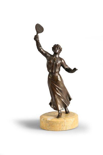 Sculpture en régule sur socle marbre «Joueuse...