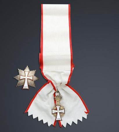ORDRE DE DANNEBROG (Danemark).   Ensemble grand-croix, composé de son insigne en...