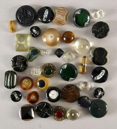 Lot de boutons Haute Couture, matière plastique...