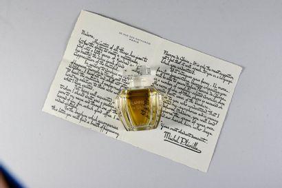 Pleville «Flamme de Gloire» - (1924) Flacon en cristal massif incolore pressé moulé...
