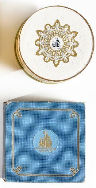 Lanvin parfums - (années 1950) Boite de poudre cylindrique forme tambour en carton...