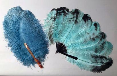 Deux éventails en plumes*After-Eight, vers...