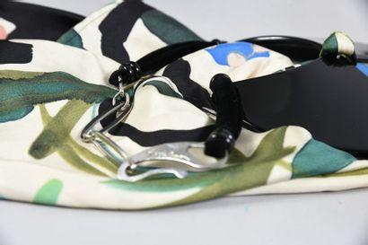 GIORGIO ARMANI, tour de cou, motifs en ailes de papillon en matière plastique noire...
