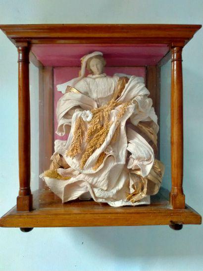 Poupée d'un ange porcelaine et tissus, X...