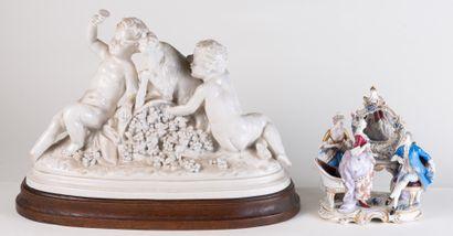 Deux groupes en porcelaine représentant