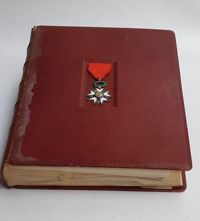 Jules RENAULT, La légion d'honneur, 1 volume...