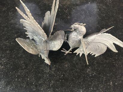 Travail français XXe, paire de coqs en bronze...
