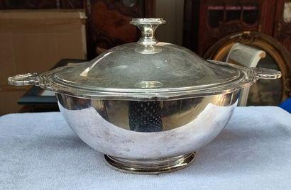 Une soupière ronde en métal argenté H :...