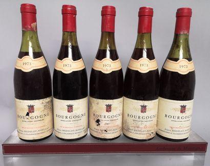 5 bouteilles BOURGOGNE - HUDELOT NOËLAT 1973...