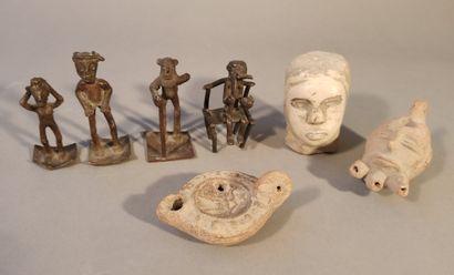 Ensemble comprenant 4 bronzes africains,...