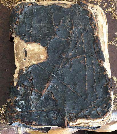 Lot comprenant :  - Deux Coran  Relures cuir,...