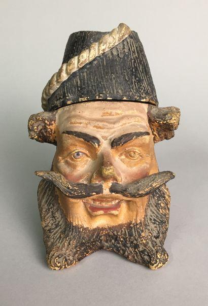 Tête d'homme moustachu et barbu avec réserve...