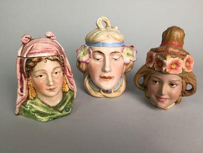 Tête de femme Art Nouveau avec fleurs dans...